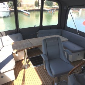 Linssen Grand Sturdy 40.9 AC  - Aussensitzbank